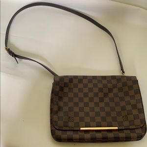 Louis Vuitton Hoxton GM Damier crossbody bag